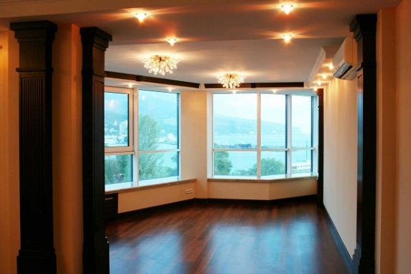 Панорамное окно в квартире дизайн